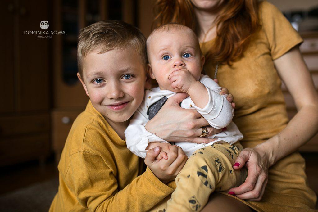 Domowa sesja rodzinna z Agnieszką i Nikitą